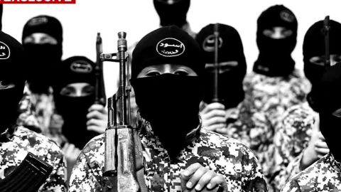 iraq isis child soldiers elbagir pkg_00021214.jpg