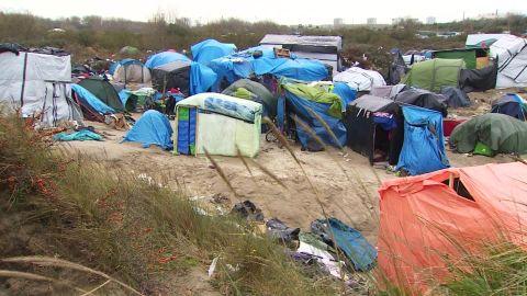 new calais refugee camp orig_00000325.jpg