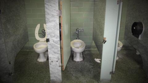 detroit school conditions casarez dnt_00012816.jpg