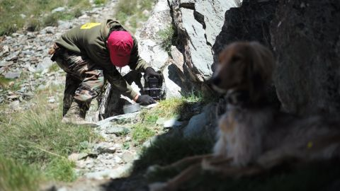 Panthera's Zairbek Kubanychbekov places camera traps in Altyn Mazar, Alai, Kyrgyzstan.