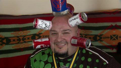 can head man breaks guinness world record dnt_00013606.jpg