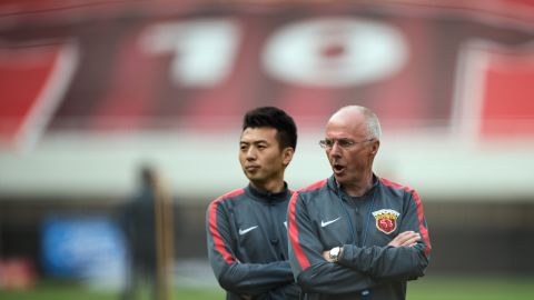 Former England manager Sven-Goran Eriksson (R) attending a training session of his previous team Shanghai SIPG. Eriksson signed former Sunderland and Al-Ain striker Asamoah Gyan last year, and moved to Chinese League One side Shenzen FC earlier this year.