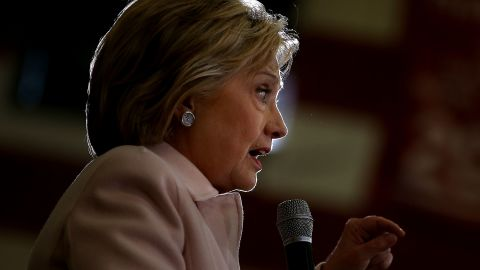 """DES MOINES, IA - JANUARY 29:  Democratic presidential candidate Hillary Clinton speaks during a """"get out the caucus"""" event at Grand View University on January 29, 2016 in Des Moines, Iowa.  (Photo by Justin Sullivan/Getty Images)"""