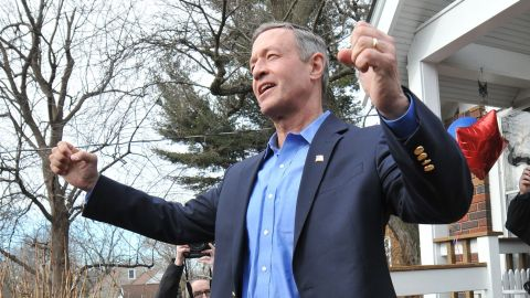 JOHNSTON, IA - JANUARY 31: Democratic Presidential Candidate Martin O'Malley speaks to potential supporters at a residence on January 31, 2016 in Johnston, Iowa. O'Malley and other candidates are making their final appeals to voters ahead of the Iowa caucus February 1. (Photo by Steve Pope/Getty Images)