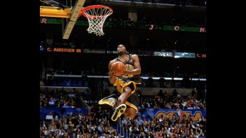 """<strong>Fred Jones (2004):</strong> Missed dunks doomed this contest's place in history, with Richardson and Jones both faltering in the finals. Ultimately, Jones' one completed dunk was enough to top Richardson's one dunk and prevent the contest's first-ever """"threepeat."""""""