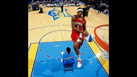 <strong>Josh Smith (2005):</strong> In the first round, Smith jumped over a seated Kenyon Martin to slam home Martin's alley-oop pass. In the finals, Smith rocked a throwback Dominique Wilkins jersey and paid homage with a classic windmill jam. Both Smith and Wilkins played for the Atlanta Hawks.