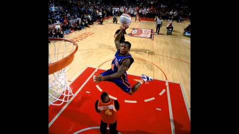 <strong>Nate Robinson (2006):</strong> It was shades of Spud Webb as 5-foot-9 Nate Robinson brought the dunk contest back to the little guys. In fact, Robinson jumped over Webb himself to earn a perfect 50.