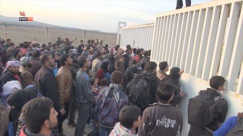 syria battle for aleppo paton walsh pkg_00005004.jpg