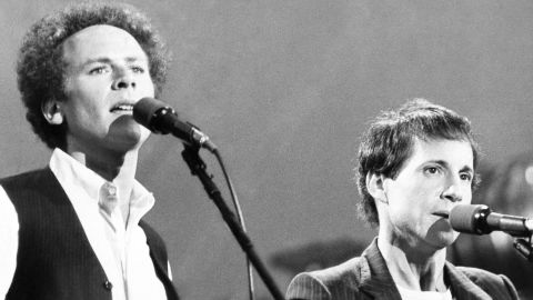 """<strong>'60s songbirds reunite:</strong> About <a href=""""http://www.nydailynews.com/entertainment/music/simon-garfunkel-plays-crowd-central-park-1981-article-1.2353782"""" target=""""_blank"""" target=""""_blank"""">500,000 fans</a> showed up to watch Paul Simon and Art Garfunkel perform in New York's Central Park on September 21, 1981. It was the largest crowd to ever attend a free concert there. The duo, known for hits such as """"Mrs. Robinson,"""" hadn't performed together for a decade."""