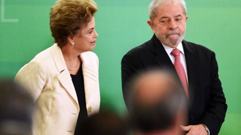 Former Brazilian president Luiz Inacio Lula da Silva (R) and Brazilian president Dilma Rousseff attend Lula's swear in ceremony as chief of staff, in Brasilia on March 17, 2016. Rousseff appointed Lula da Silva as her chief of staff hoping that his political prowess can save her administration. The president is battling an impeachment attempt, a deep recession, and the fallout of an explosive corruption scandal at state oil giant Petrobras. AFP PHOTO/EVARISTO SA EVARISTO SA / AFP / AFP / EVARISTO SA        (Photo credit should read EVARISTO SA/AFP/Getty Images)