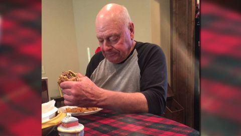 Kelsey Harmon tweeted a picture of her grandpa sadly eating one of the 12 burgers he prepared for his 6 grandchildren who didn't show up for dinner.
