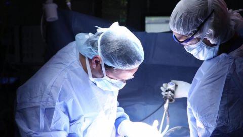 Surgeons perform first HIV organ transplant sot_00001113.jpg