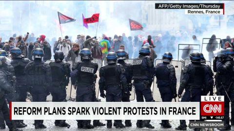 france.protests against reform howell pkg_00002314.jpg