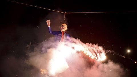 Can this fiery Mexico City tribute to The Donald be anything less than homage?
