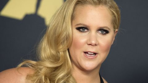 Actress/comedian Amy Schumer attends the 7th Annual Governors Awards honoring Spike Lee, Gena Rowlands and Debbie Reynolds, in Hollywood, California, on November 14, 2015.AFP PHOTO /VALERIE MACON        (Photo credit should read VALERIE MACON/AFP/Getty Images)