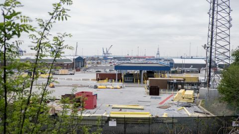Baltimore was once an important regional port. Its maritime industry suffered with the decline of American coal production, laying off thousands of port workers. The port has recently experienced renewed growth, now ranking 13th nationally in overall tonnage and employing nearly 15,000 workers.<br />