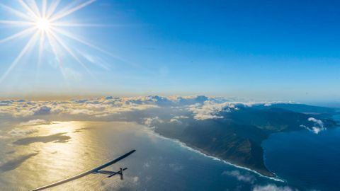 Solar Impulse 2 departs Hawaii for the two-and-a-half day flight to California, the 9th leg of its round-the-world trip.