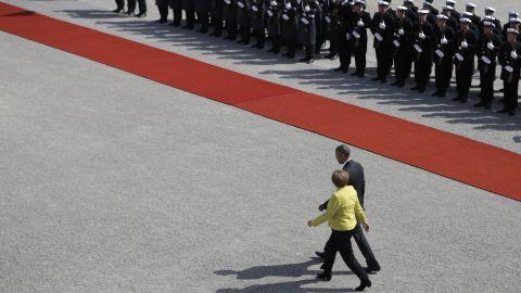 Merkel welcomes Obama at Herrenhausen Palace on April 24.
