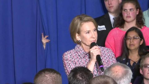carly fiorina slips on stage indiana_00000000.jpg