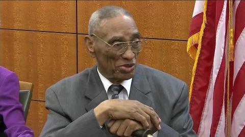 81 year old man exonerated ny pkg_00001528.jpg