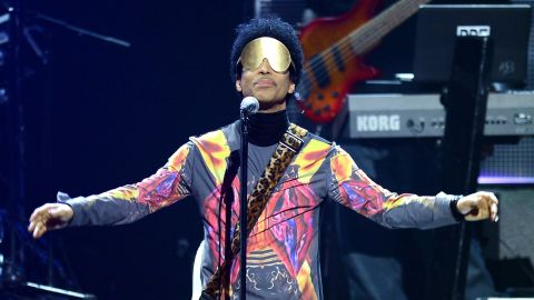 LAS VEGAS, NV - SEPTEMBER 22:  Recording artist Prince performs with singer Mary J. Blige onstage during the 2012 iHeartRadio Music Festival at the MGM Grand Garden Arena on September 22, 2012 in Las Vegas, Nevada.  (Photo by Isaac Brekken/Getty Images for Clear Channel)