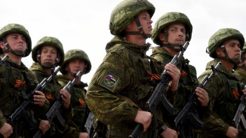 Russian soldiers march during a rehearsal of the Victory Day Parade at the Russian Hmeimim military base in Latakia province, in the northwest of Syria on May 4, 2016.