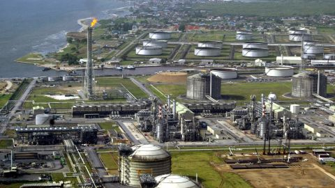 """Oil-rich Nigeria has seen its fair share of bad news in recent months. The largest economy in Africa has been hit with a fuel shortage, on top of currency problems and terrorism. """"A lot of things that can go wrong, are going wrong at the same time,"""" said London-based Nigerian accountant Feyi Fawehinmi. While economically the country is a """"complete mess"""", Fawehinmi said the corruption situation in Nigeria is getting better under President Buhari, who took office a year ago."""