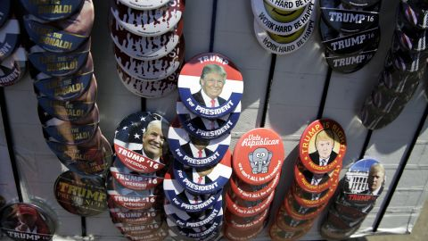 A vendor sells Trump buttons at a campaign stop for US Republican presidential candidate Donald Trump in Lynden, Washington, on May 7, 2016.    / AFP / Jason Redmond        (Photo credit should read JASON REDMOND/AFP/Getty Images)