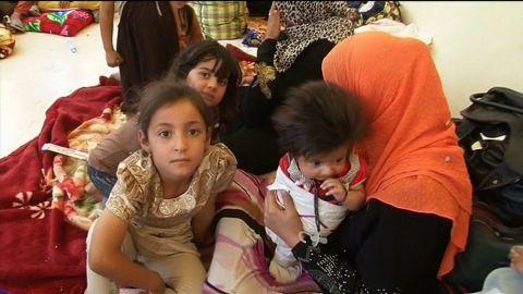 Iraq Fallujah children trapped pleitgen lkl _00003827.jpg