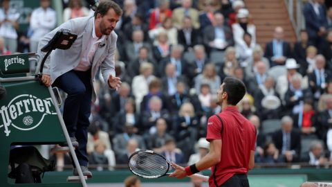 While Djokovic felt aggrieved after the umpire awarded a point to Murray following a late call from a line judge.