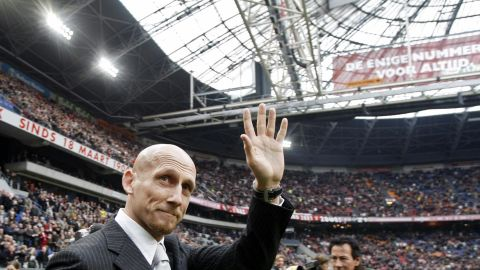 """Nandrolone was the same substance for which Jaap Stam, then at Lazio, produced a positive sample in 2001. Stam denied any wrongdoing and thought it was a joke when informed, while shopping, by his agent. He was later banned for five months. """"I know nothing about the whole nandrolone situation,"""" said Stam at the time. <a href=""""http://www.irishtimes.com/news/jaap-stam-denies-taking-nandrolone-1.404135"""" target=""""_blank"""" target=""""_blank"""">""""I can say without hesitation or doubt that I have knowingly never taken nandrolone or any other illegal substance.""""</a>"""