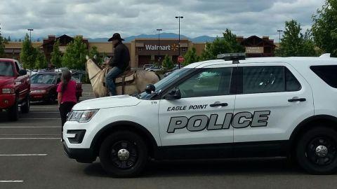Robert Borba sprang into action to help a woman in Oregon.