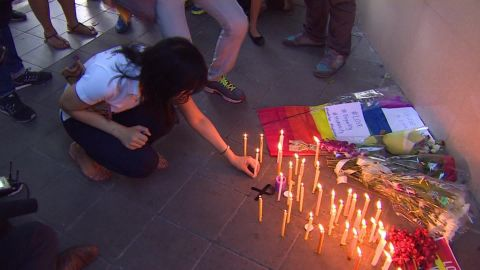 orlando shooting vigils around the world orig_00010622.jpg