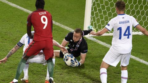 Halldorsson collects a save.
