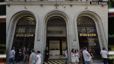 looklive brazil financial crisis walsh_00013509.jpg