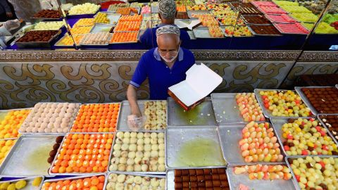 """Over the month of Ramadan, good bacteria have been growing in your gut, according to Tim Spector, author of """"<a href=""""http://www.tim-spector.co.uk/"""" target=""""_blank"""" target=""""_blank"""">The Diet Myth</a>"""" and professor at <a href=""""http://www.kcl.ac.uk/index.aspx"""" target=""""_blank"""" target=""""_blank"""">Kings College London</a>. """"A fast is a good way of regenerating your microbes, so that will increase certain beneficial species that you want to keep going through the times when you're not fasting,"""" he said."""