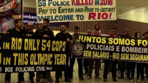 brazil rio olympic security safety damon pkg_00022510.jpg