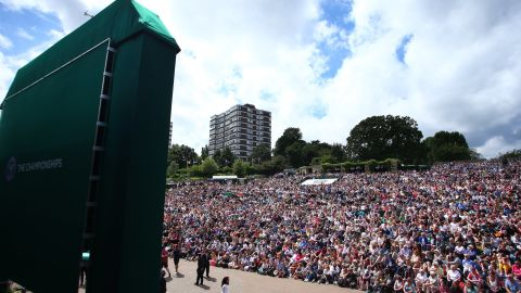 Hundreds of fans watched the action on the big screen on Murray Mound.<br />