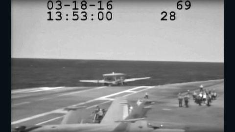 uss eisenhower hawkeye plane landing accident orig bpb_00000000.jpg