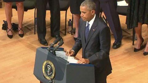 dallas police officers memorial obama malveaux dnt lead_00005416.jpg