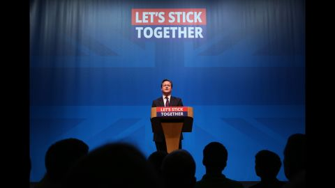 Cameron urges Scotland not to vote to leave the UK during a pre-referendum speech in Aberdeen ahead of the 2014 vote.