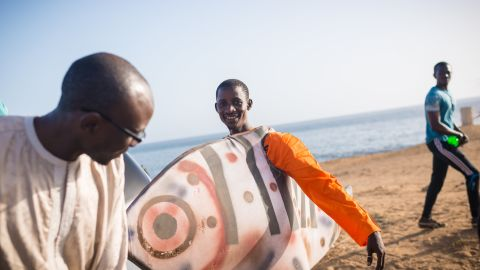 Ahmed Diamé, Greenpeace Oceans campaigner, and Abdou, Greenpeace volunteer during an activity in Dakar, where hundreds of oceans lovers, fishers and Greenpeace volunteers celebrate World Oceans Day.