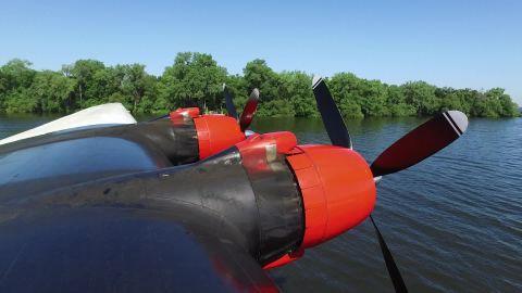 world's biggest water bomber oshkosh mobile orig mss_00001322.jpg