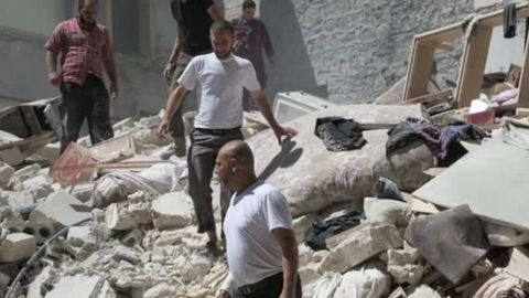 russia syria humanitarian corridors clarissa ward_00023515.jpg