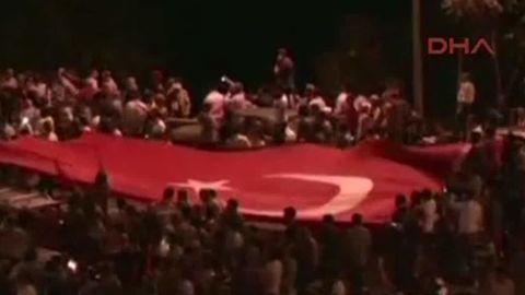soldiers abuse turkey_00012815.jpg