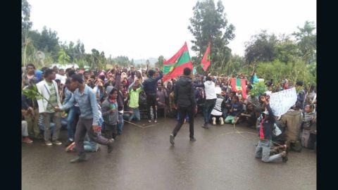 Ethnic Oromos from Mogor town, West Shewa Zone, participating in the nation-wide protest on 6 August 2015