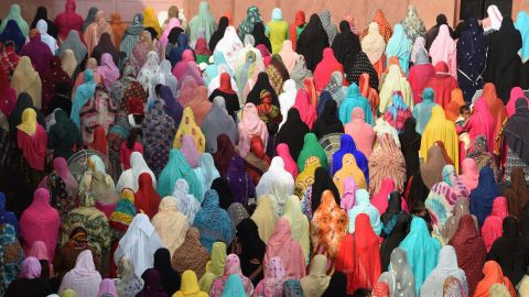 Do you know the difference between a hijab and a niqab? How about a burqa and a chador? Click through to read about the different types of headscarves some Muslim women wear.