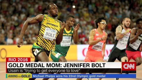 Jennifer Bolt  Riddell donut _00031920.jpg