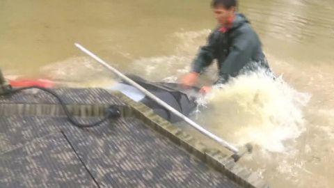 baton rouge flooding car rescue vo_00004424.jpg