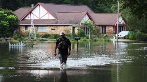 Ryan Evans makes his way through Baton Rouge on August 15.